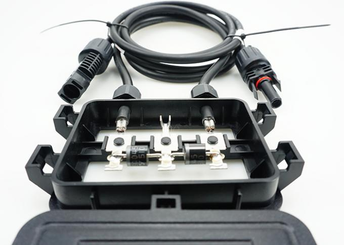 140W - 250W 2 Diodes PV Junction Box Waterproof For Poly Solar Panel